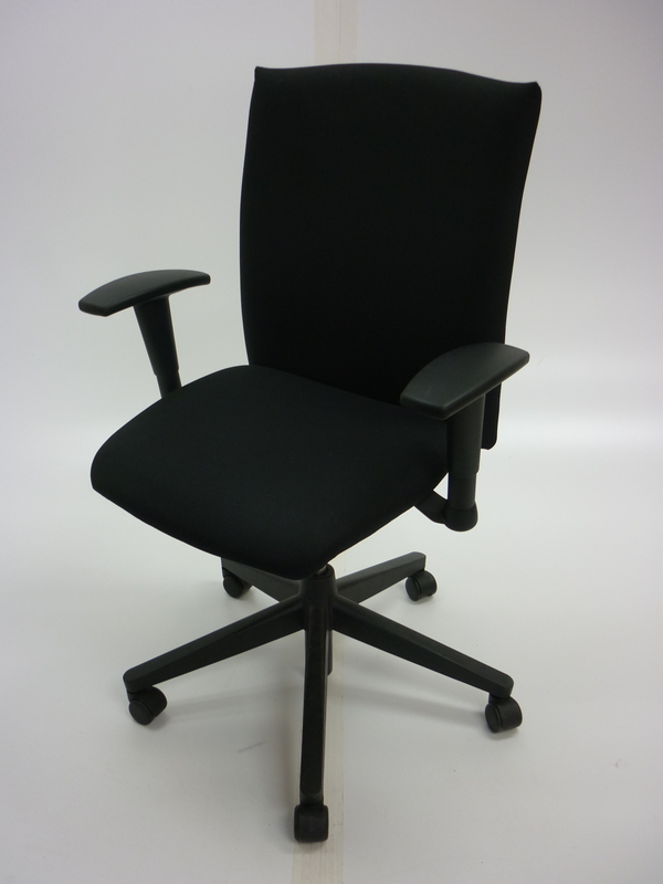 Haworth Comforto BL black task chairs