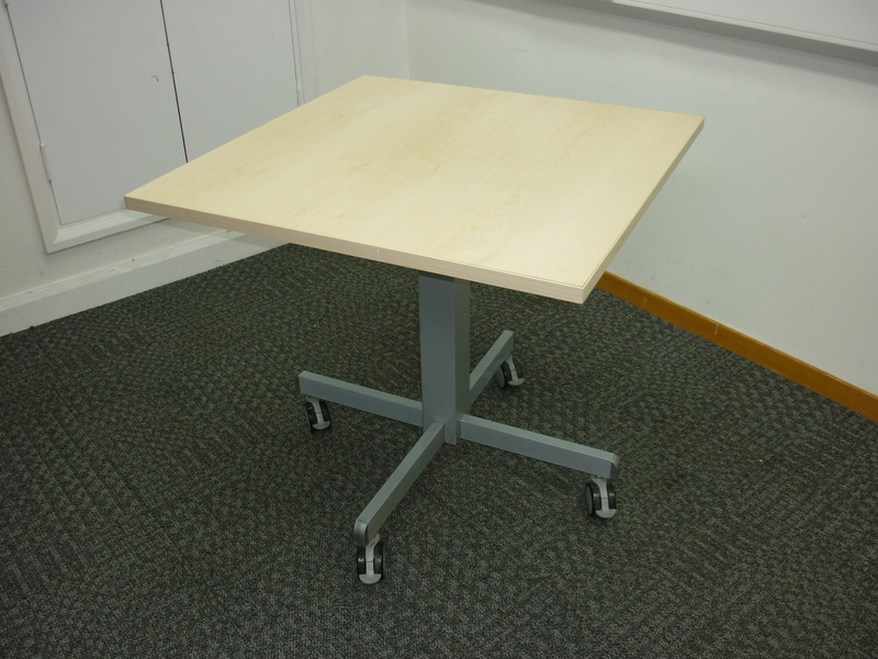 800x800mm maple mobile meeting table