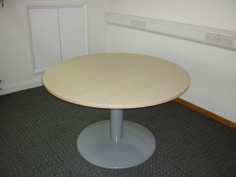 1200mm diameter Buronomic maple circular table