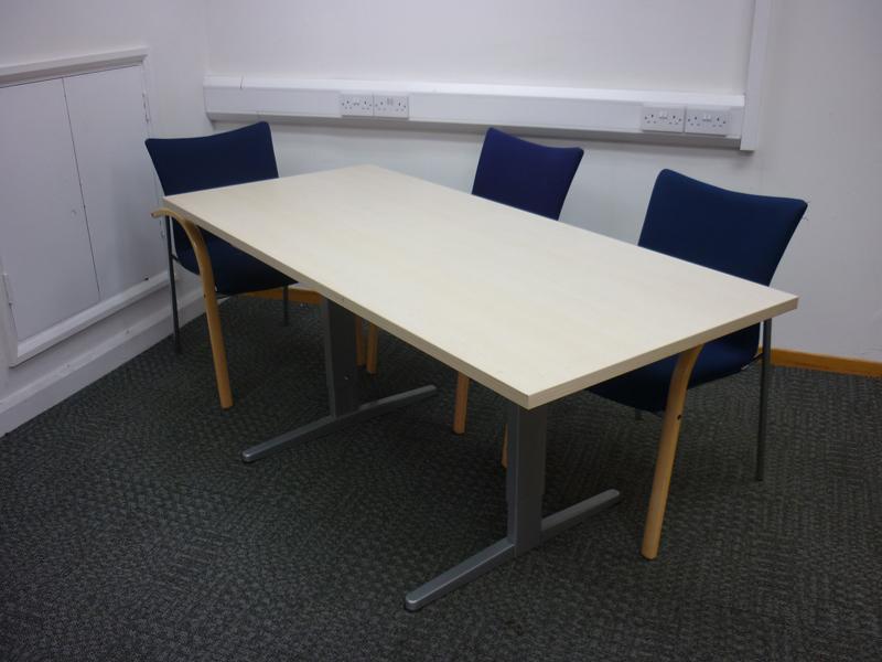1800x800mm maple Sedus table