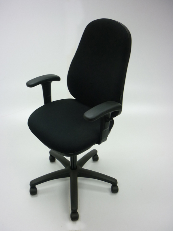 Verco BUZZ  1 black operator chair (CE)