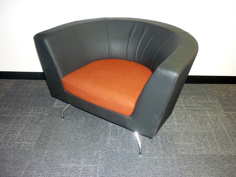 Orangebox CWTCH21LB tub chair (CE)