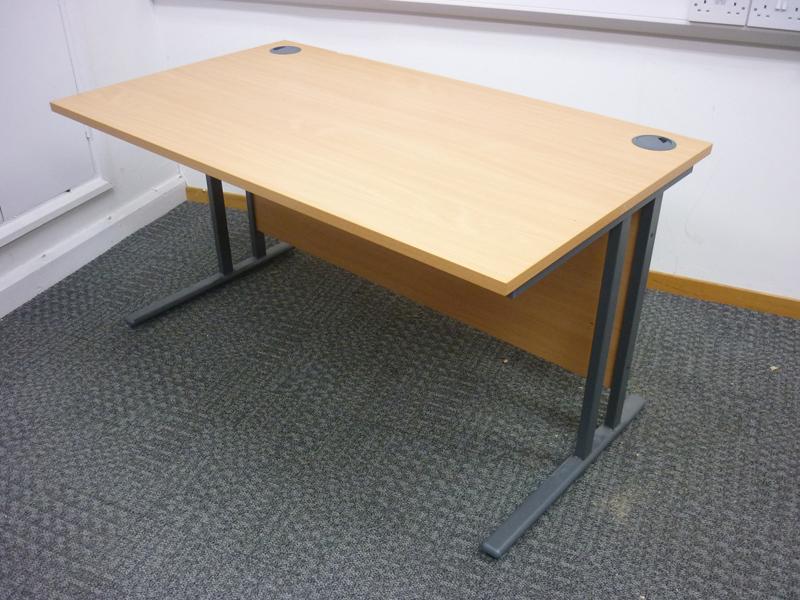 1400x800mm beech rectangular desk