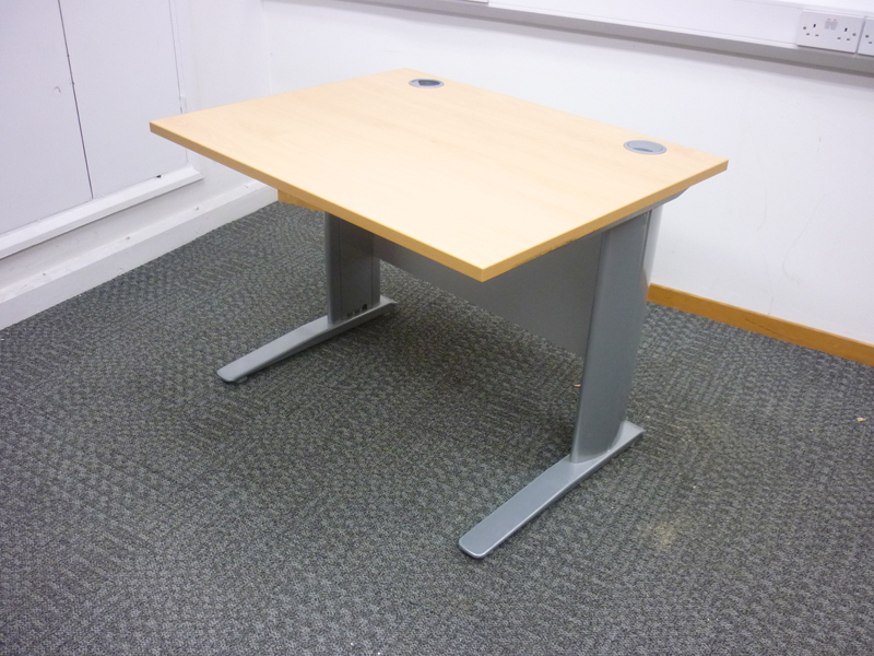 1000 x 800mm beech desk