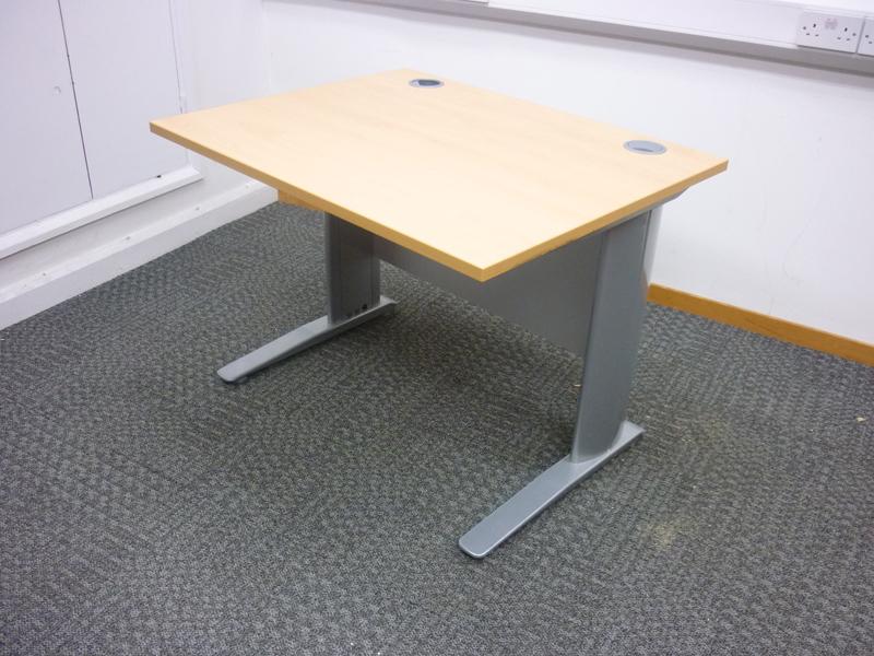 1000x800mm beech desk