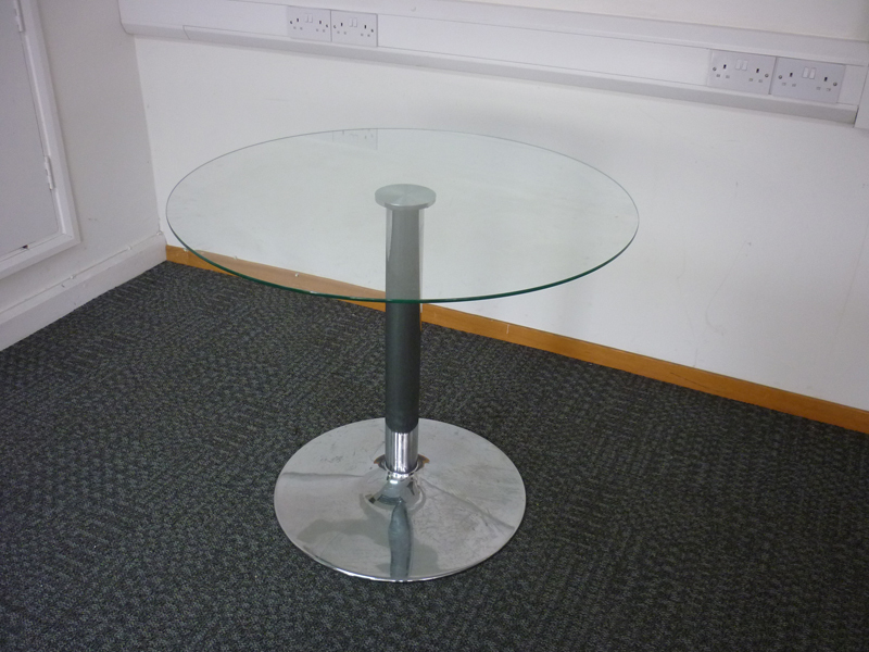 900mm diameter clear glass meeting table
