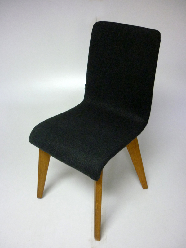 Frovi jig dark grey meetingdining chair