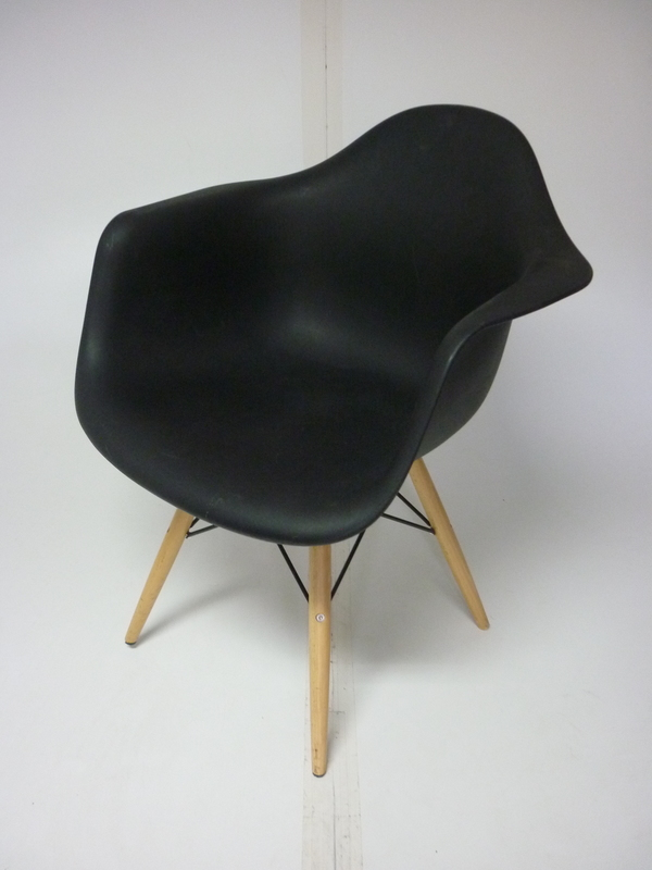 Vitra DAW black lookalike armchair