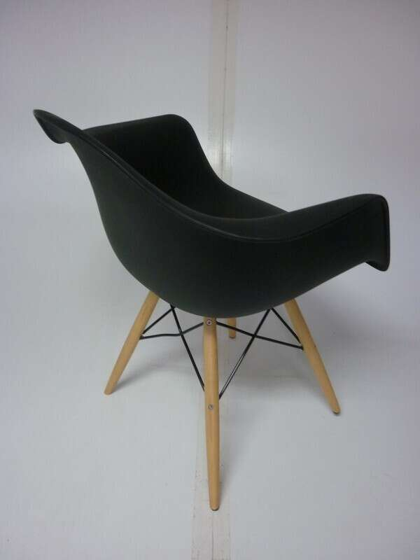 Vitra DAW black look-a-like armchair