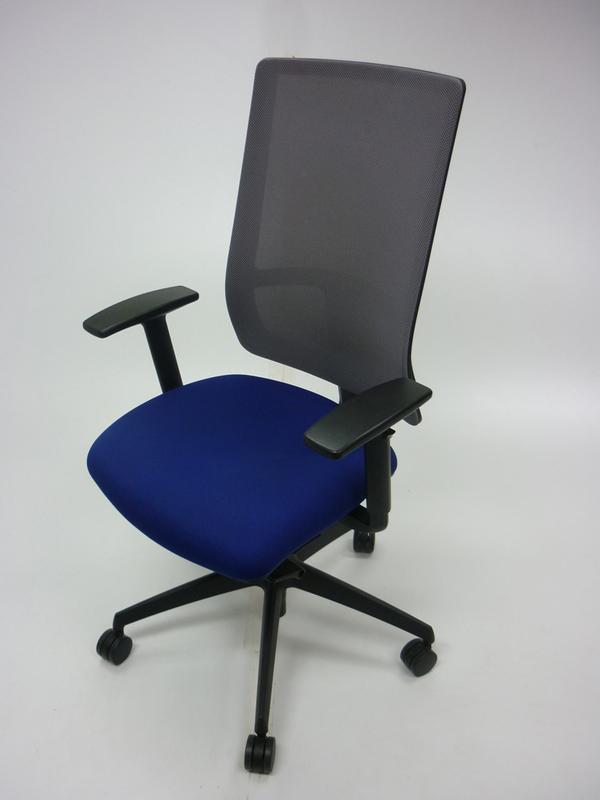 Komac Q by Boss Design bluelight grey mesh task chair