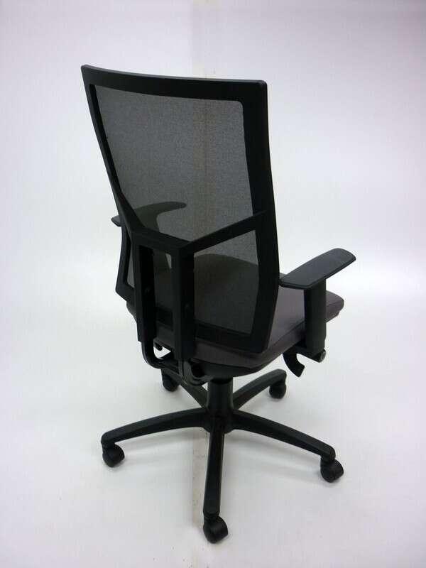 OCEE Design Airo grey/black mesh task chair