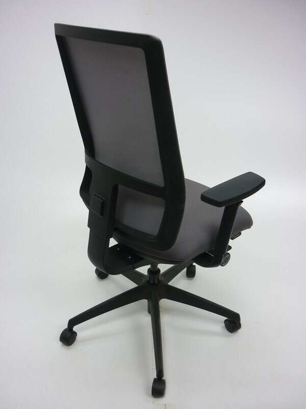 Komac Q by Boss Design light grey fabric and mesh task chair
