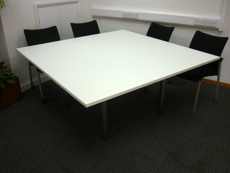 1600x1600mm white conference table