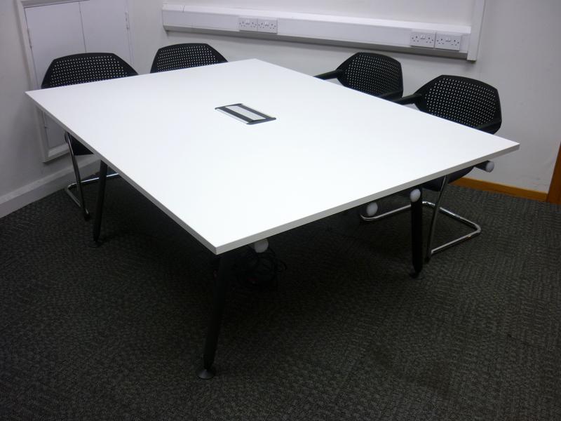 1900x1400mm Herman Miller Abak white tables