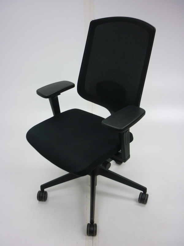 Senator Clipper black mesh back task chair with arms