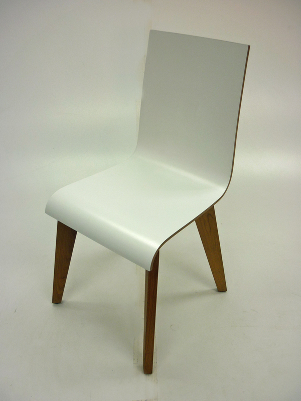 Frovi Jig white plywood cafe chairs