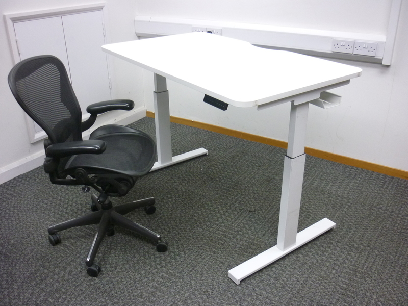 1200-1600mm programmable electric sit/stand desks with choice of tops