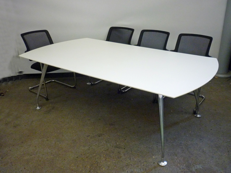 2200x1200mm white barrel shape table
