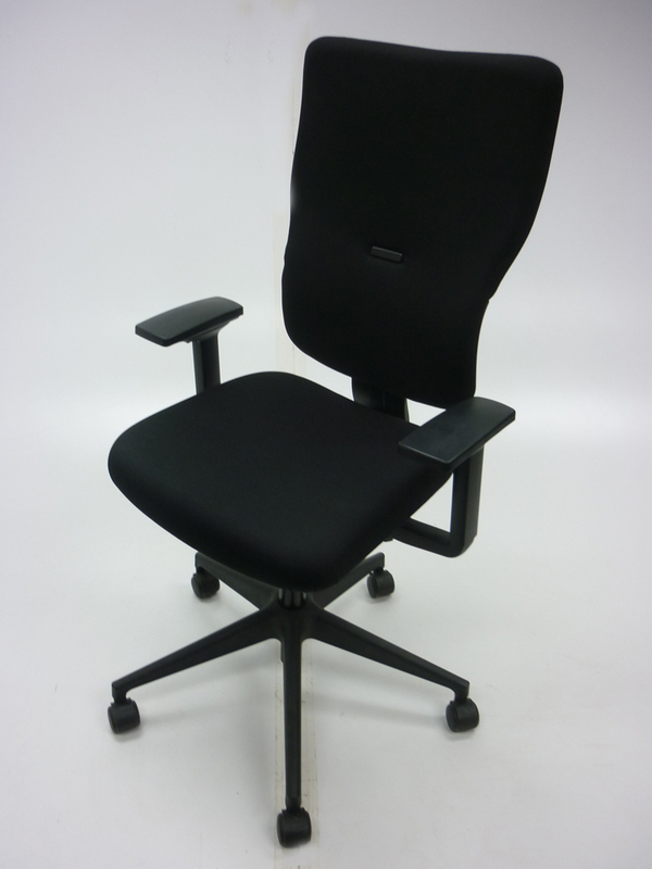 Black Steelcase Let's B v2 task chair