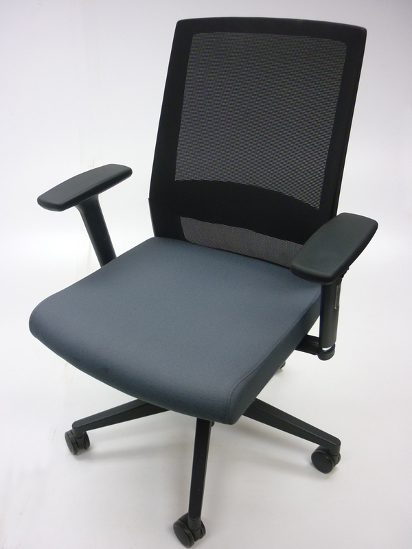 Mobili Nero grey mesh back task chairs