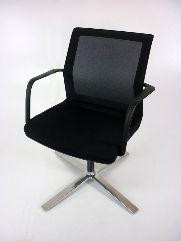 Orangebox Workday swivel black meeting chair