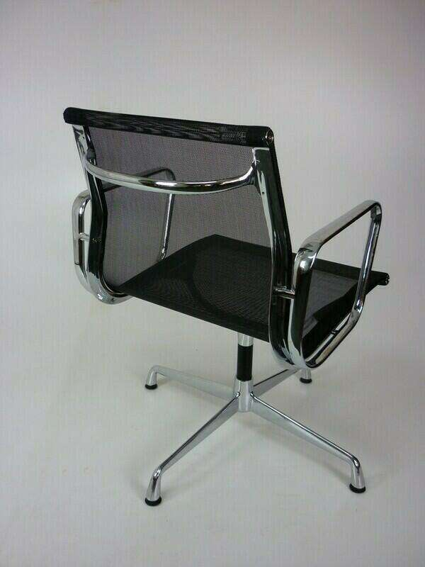 Mesh Vitra-look-a-like Eames meeting chairs