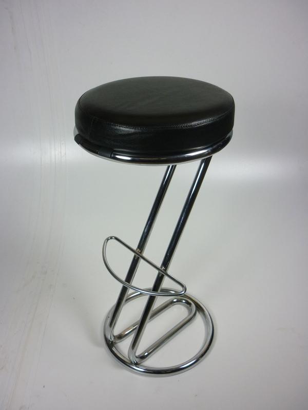 Black vinyl Z stools