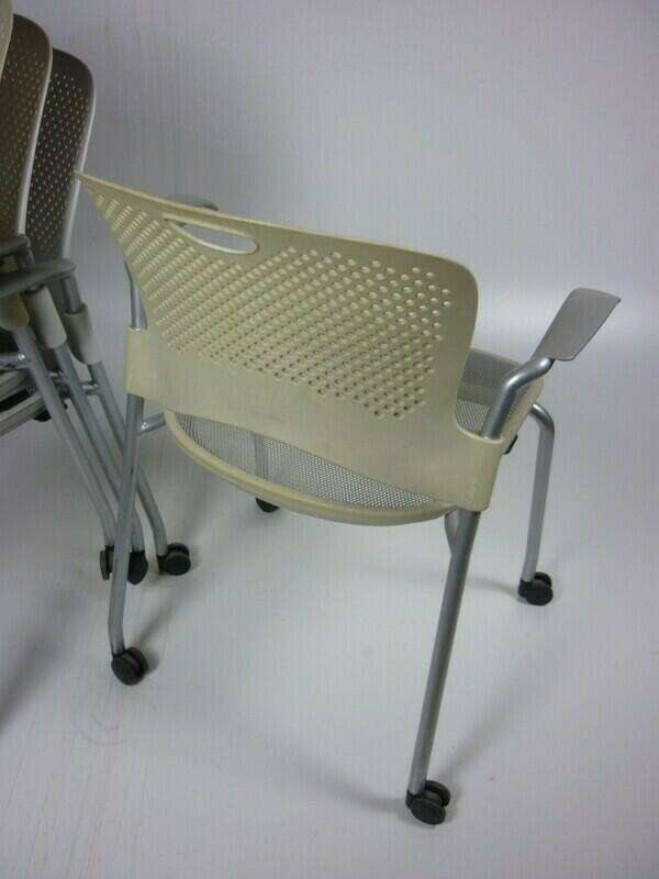 Herman Miller Casper in cream