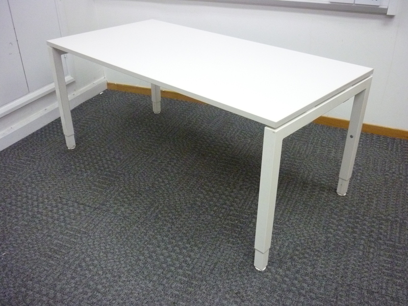 1600x800mm white Haworth Tibas desks