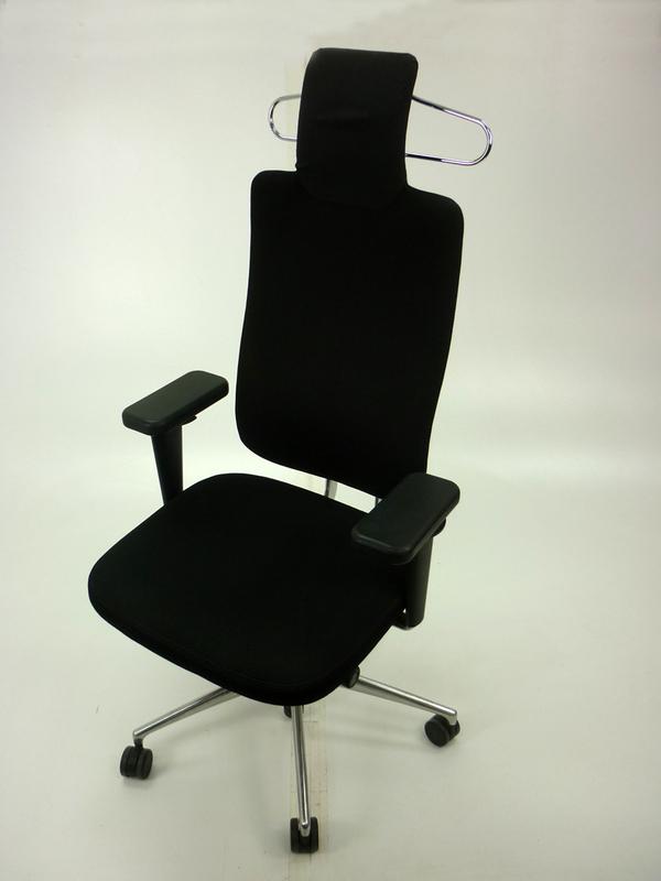 Vitra HeadLine task chairs in black with aluminium spine