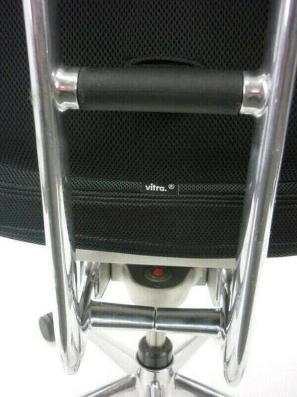 Vitra Headline black task chair with aluminum spine