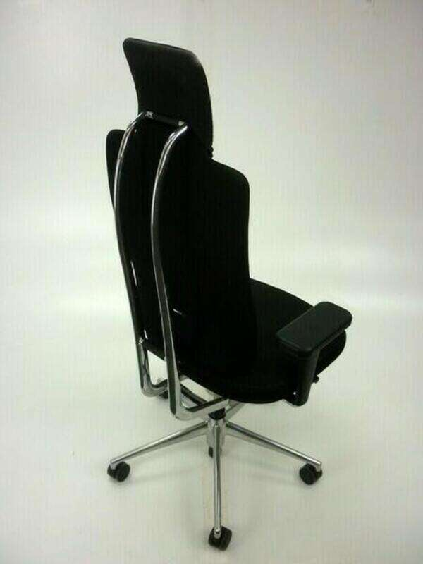 Vitra Headline black task chair with aluminum spine