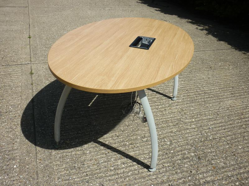 2600x1000mm oak Senator Intrigue table