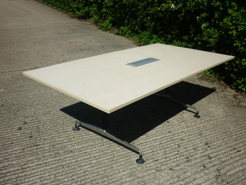 2200x1200mm maple Orangebox Pars table