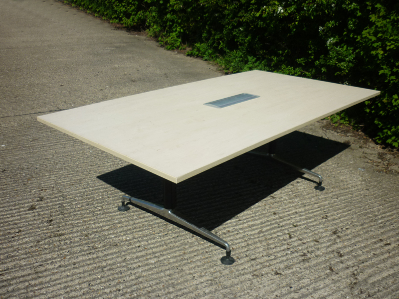2200x1200mm maple Orangebox Pars table