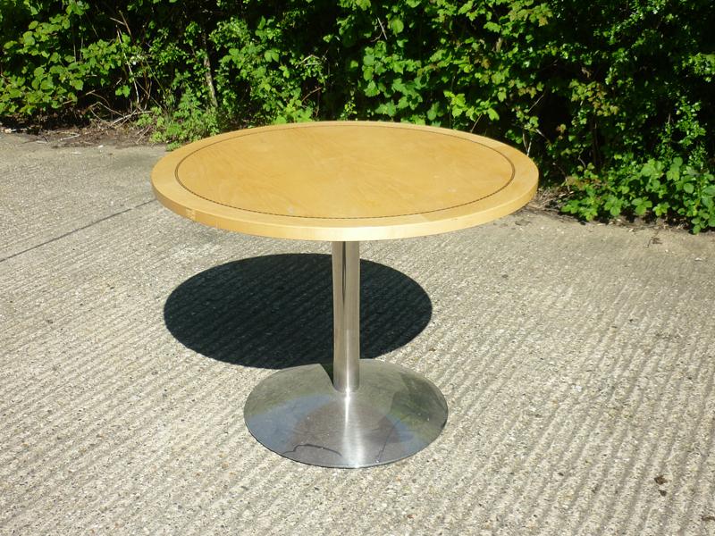 1000mm diameter Tula maple veneer table