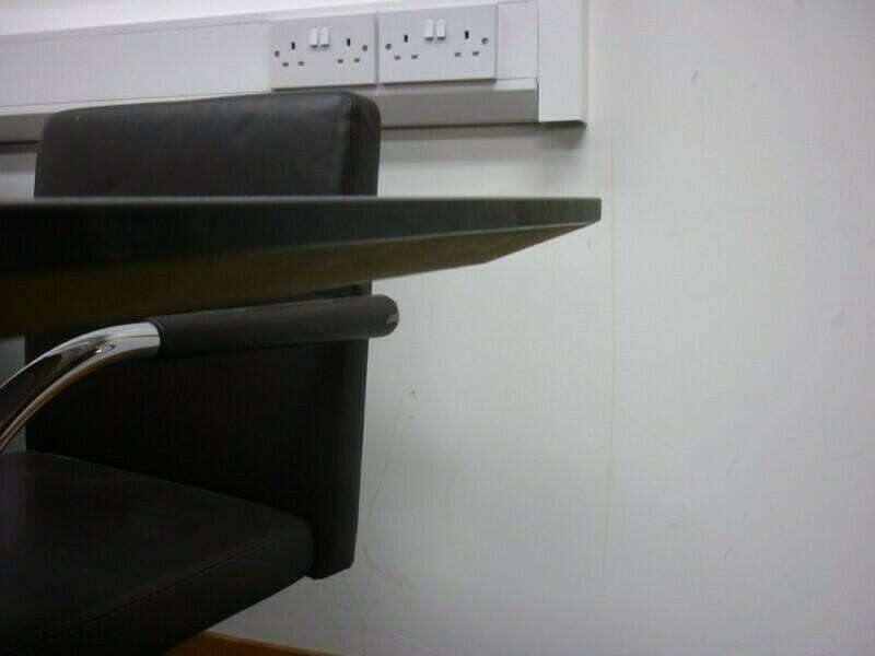 1800x900mm black table
