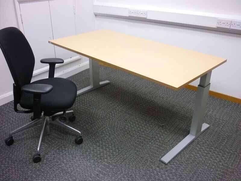 Bene beech 1600x800mm adjustable height desks