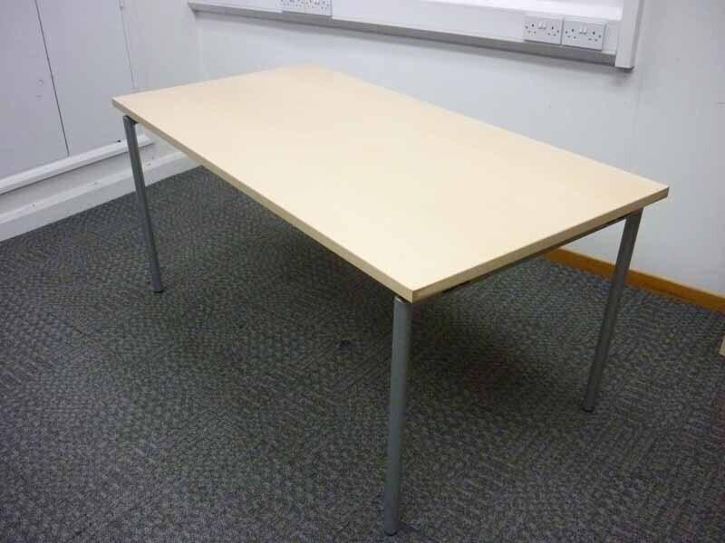 1600x800mm Brunner Trust maple folding leg table