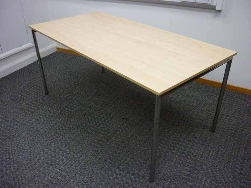 Maple 1600x800mm folding leg tables