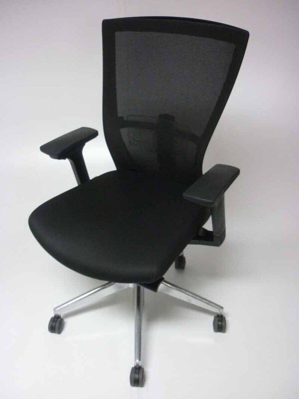 Besthul Radius black mesh back task chairs