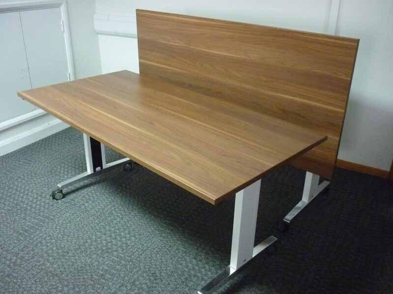 Walnut Sedus Brainstorm 1600x800mm flip top tables