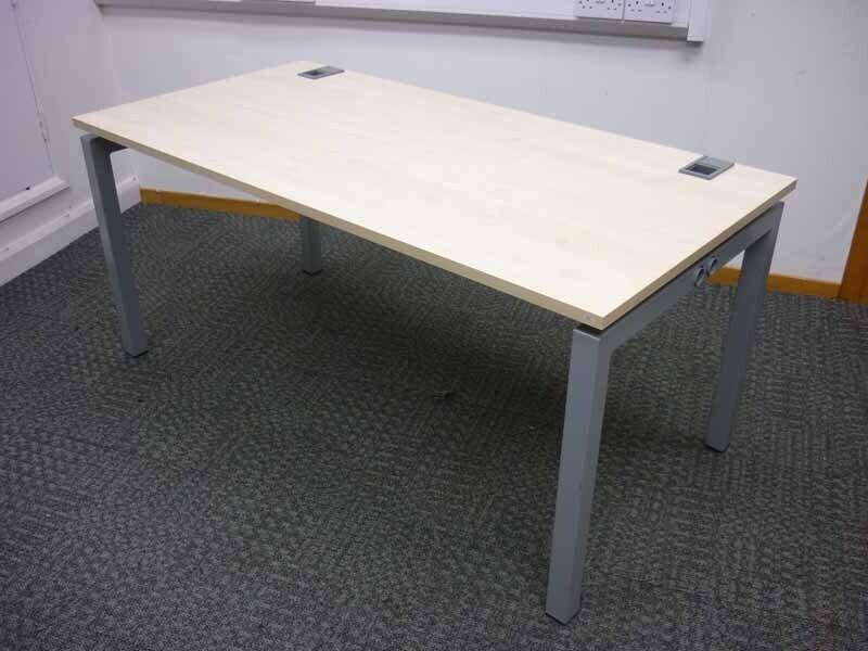1600x800mm maple Gresham desks