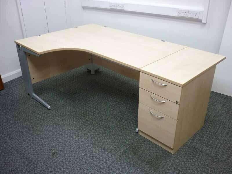 Eurotek 1600x1200mm maple desk & pedestal