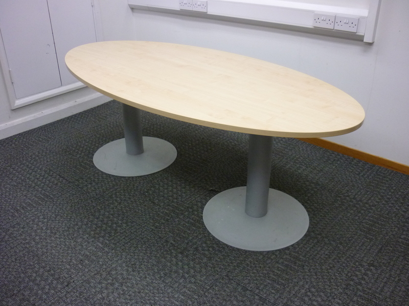 2000x1000mm maple oval table
