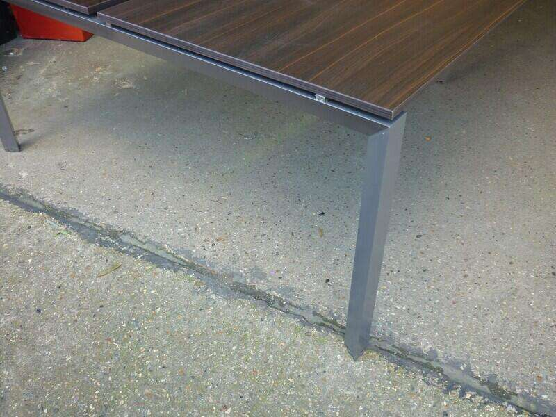 3200mm wenge 4 person bench desk, per user