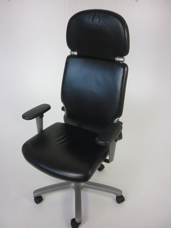 Black leather Comforto task chair with headrest