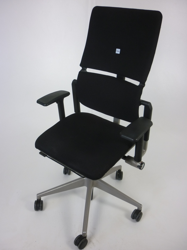 Black Steelcase Please v2 task chair