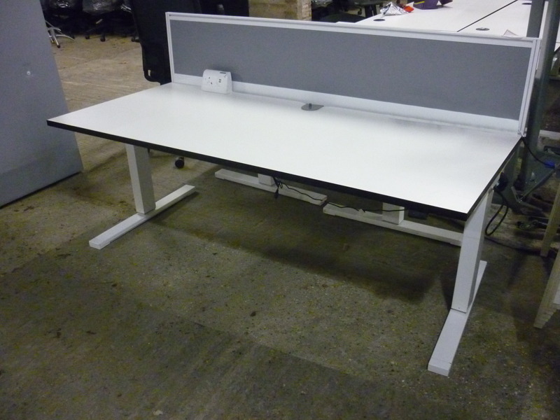 White 1800x800mm electric height adjustable desks