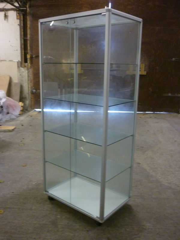Mobile Glass Presentation Unit